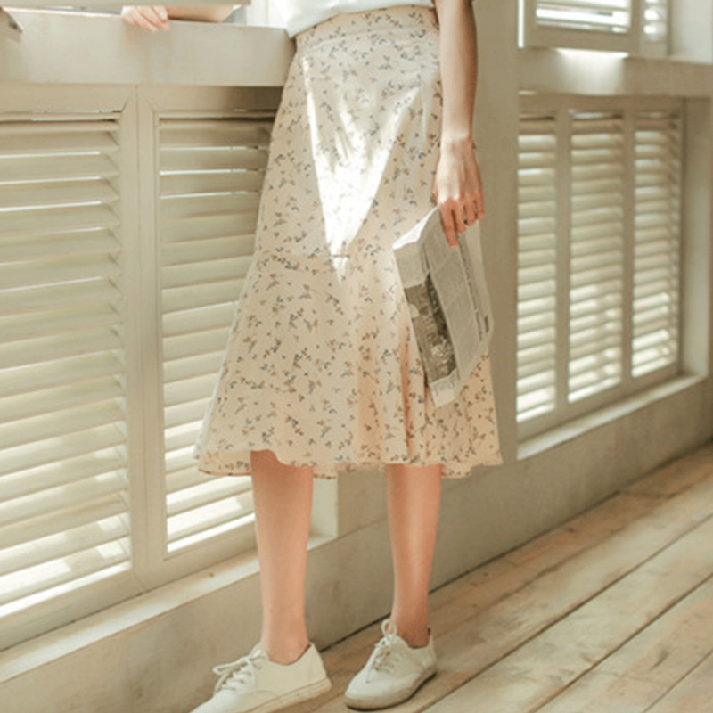 New summer new south Korean version is small and fresh show thin broken flower in long paragraph hem big lotus leaf skirt woman