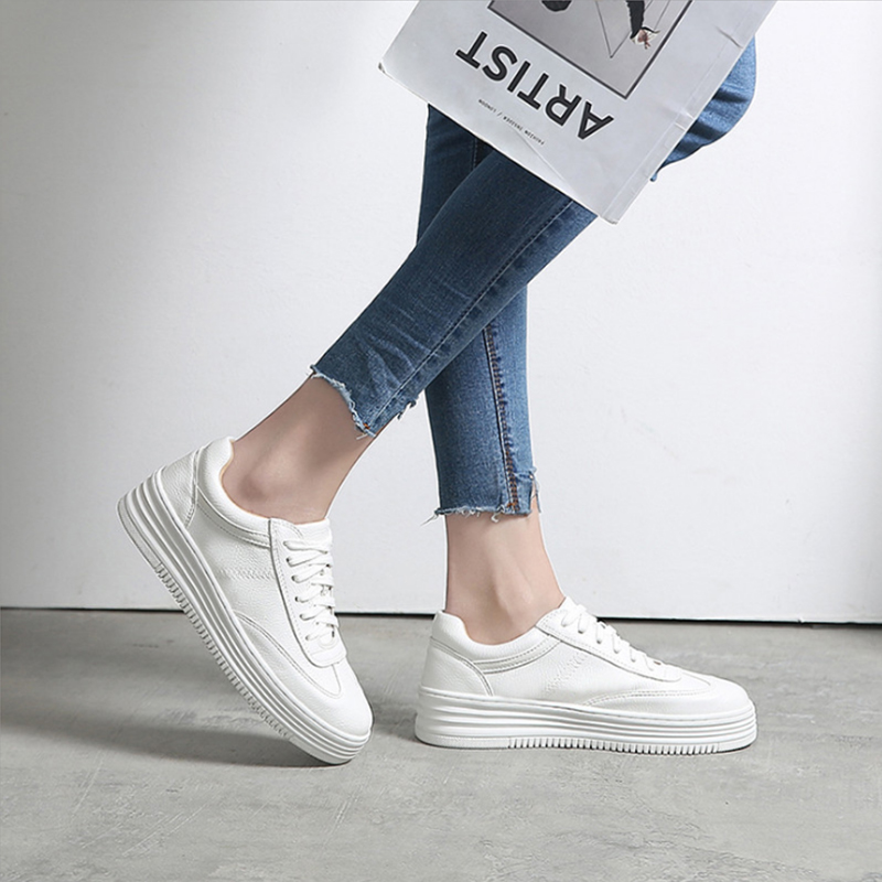 2019 new spring and autumn fashion Korean version small white shoes lacing large size taller women's shoes breathable versatile casual shoes