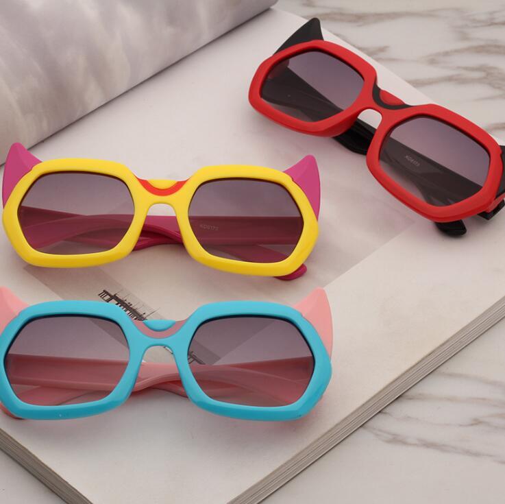 厂家直销2019新款儿童太阳镜 卡通牛角个性墨镜 防紫外线太阳眼镜