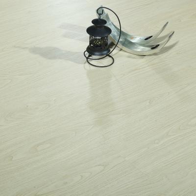 诺雅林工厂直销SPC石塑木塑地板阻燃防水新料锁扣耐磨塑料PVC地板