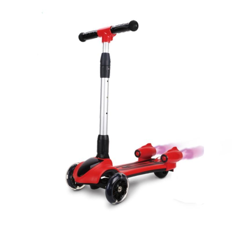 Children's spray scooter