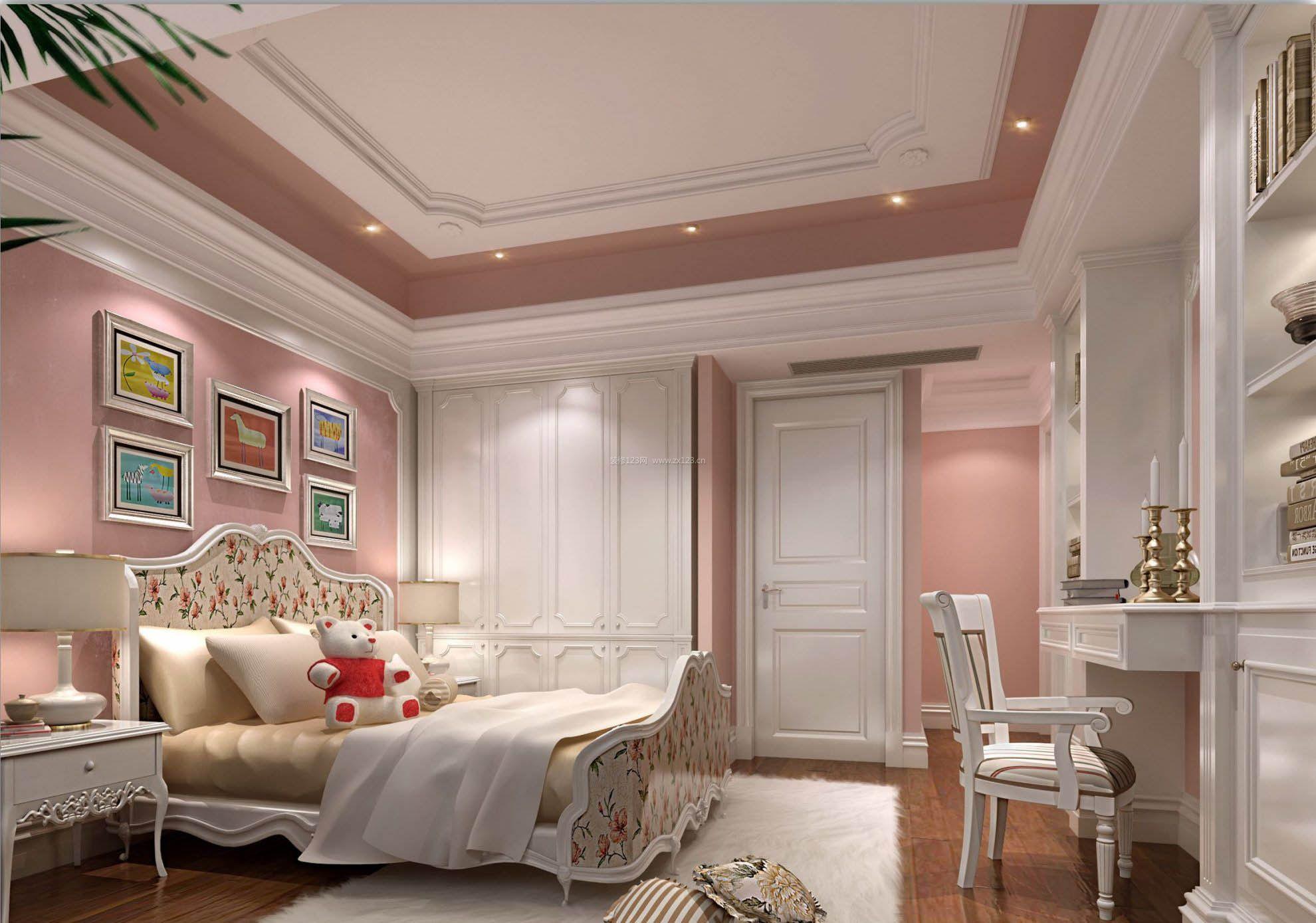 随着福利分房中的旧房调换和二级房产市场的繁荣,大量的旧房进入了装饰装修市场。其实,旧房具有一些共同的特点,可以对其中的一些项目加以重点改造。 1、对旧房墙、顶面的改造旧房装修的重点要放在装饰材料上。其中以墙面的涂料为典型,旧房的墙面顶面基层经过长年使用会出现不同程度的开裂、粉化、生霉等现象,这些现象如解决不当,会使后刷的涂料也出现颜色不均、表面粗糙和起皮的不良后果。