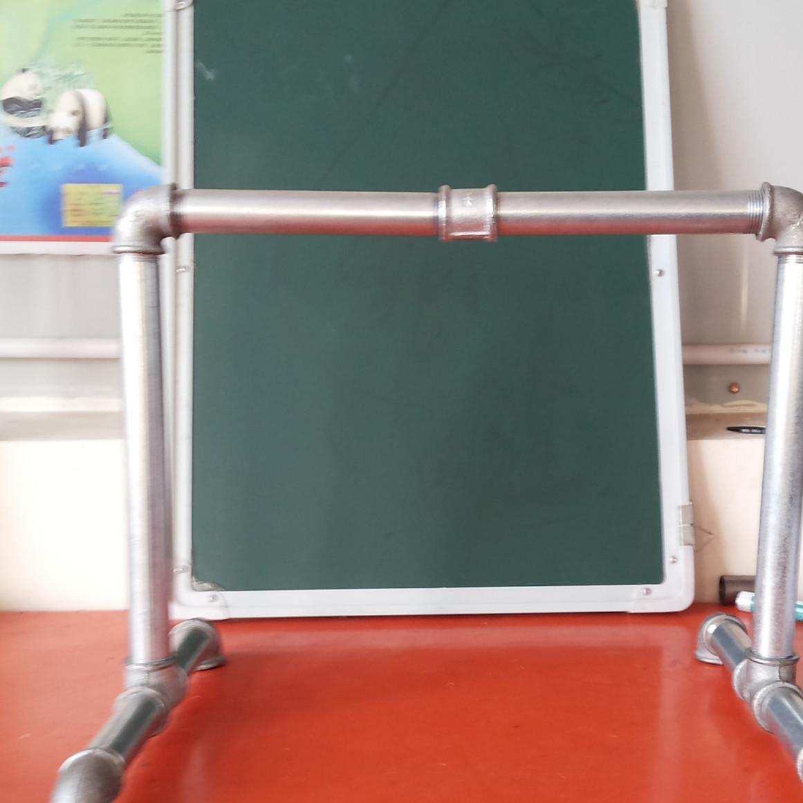 厂家生产多功能伸缩晾衣架.铁管晾衣架.