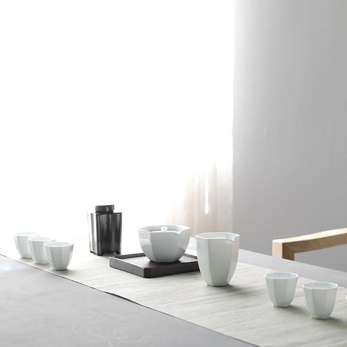 High-end kung fu tea set a complete set of white porcelain tea set teapot 10-in. tea gift tea set customization