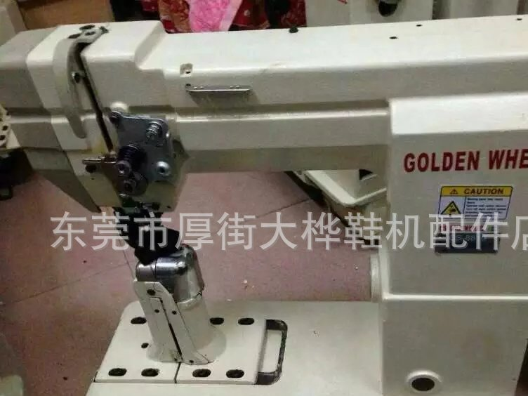 Specializing in the sale of imported second-hand jinlun brand 8810 single needle roller industrial sewing machine - big birch shoe machine