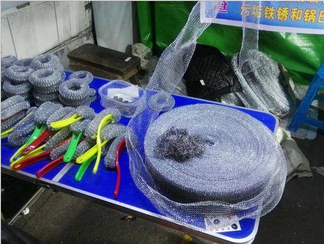地摊论斤钢丝球厂家批发镀锌钢丝刷清洁球跑江湖最新产品模式批发