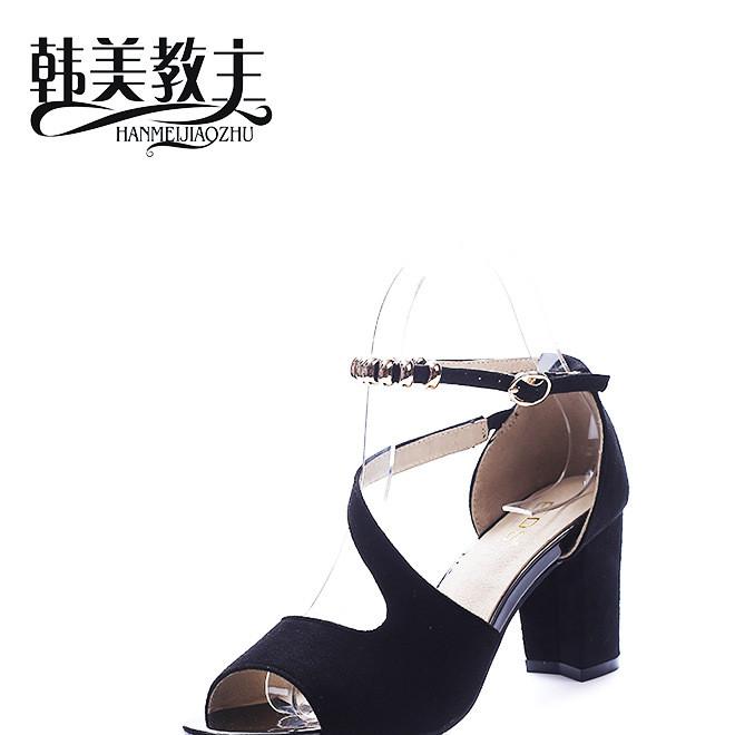 凉鞋女夏平底粗跟一字扣简单学生妈妈鞋露趾职业时尚大码女凉鞋