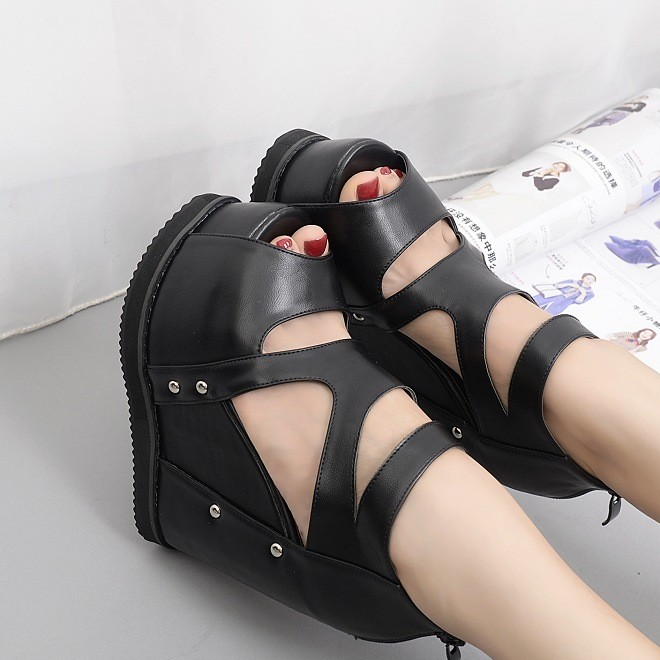 2019 summer new European and American high rivet inside the hole back zipper fish mouth female sandals