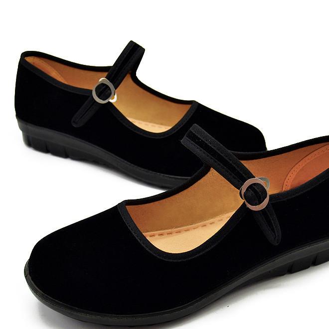 老北京女布鞋工作鞋舞蹈一代鞋中老年聚氨酯底批发专卖超市