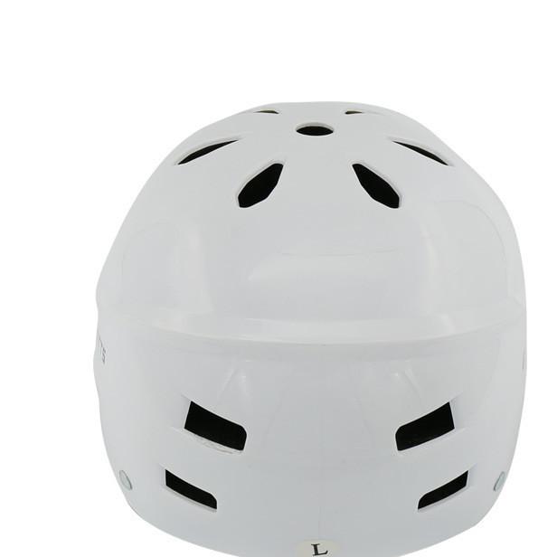 时尚经典溜冰头盔滑板头盔轮滑骑行头盔
